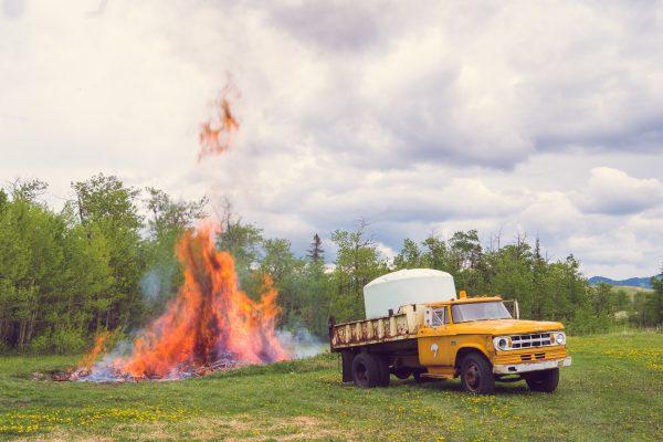 Nase moderni hasicske auto, ktere nastesti nemuselo zasahovat. :)
